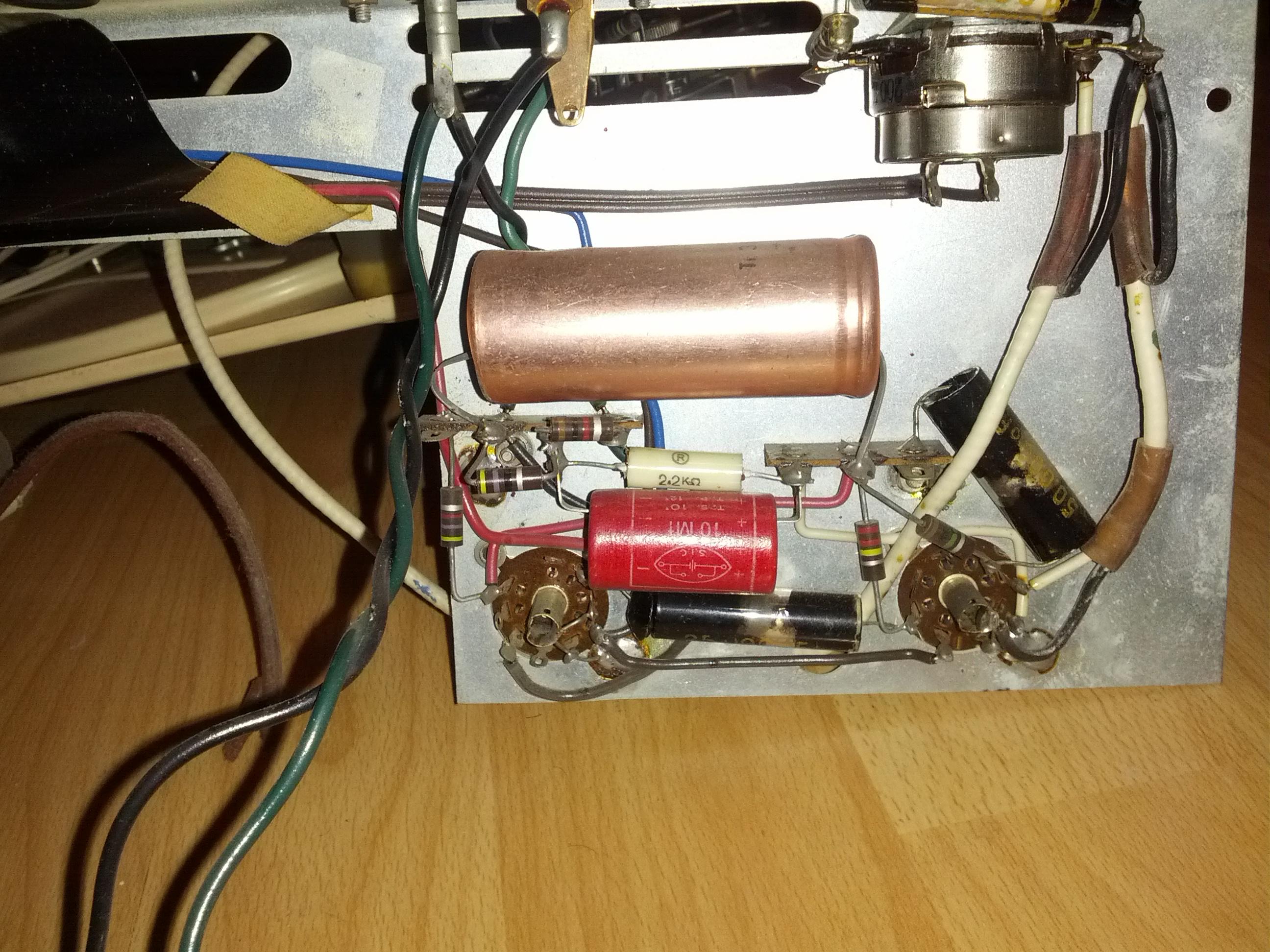 Mootronic remise en route d un tourne disque des ann es 50 - Tourne disque avec haut parleur integre ...